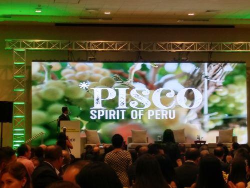 "Ministro Edgar Vásquez presenta la marca ""Pisco, Spurit of Peru"". Foto: Andina"