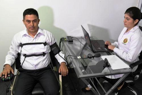 Aplican prueba de polígrafo a aspirantes a Escuela de Oficiales de la PNP. Foto: ANDINA/Difusión.