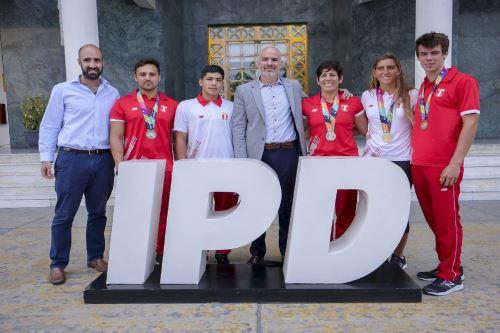 Rinden homenaje a delegación peruana que logró histórico récord en  Juegos Suramericanos de Playa Rosario  Foto: Difusión