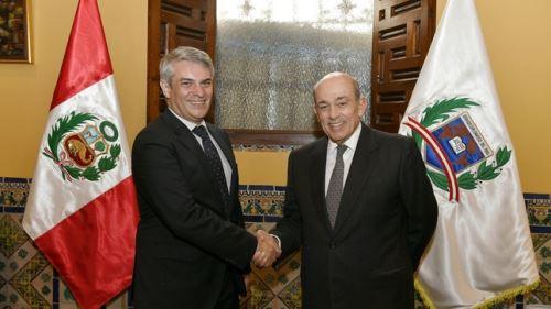 Vicecanciller de Perú, Hugo de Zela; se reunió con su homólogo brasileño Otávio Brandelli.