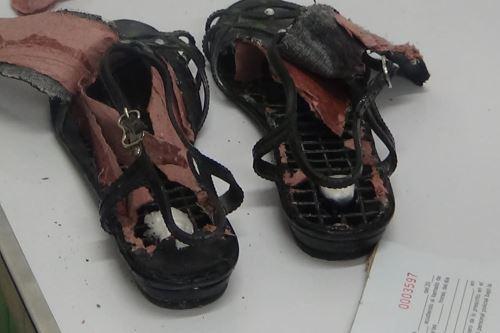 Una mujer pretendía ingresar al penal de Puno, oculta en los tacos de sus sandalias, una sustancia blanquecina que sería pasta básica de cocaína.