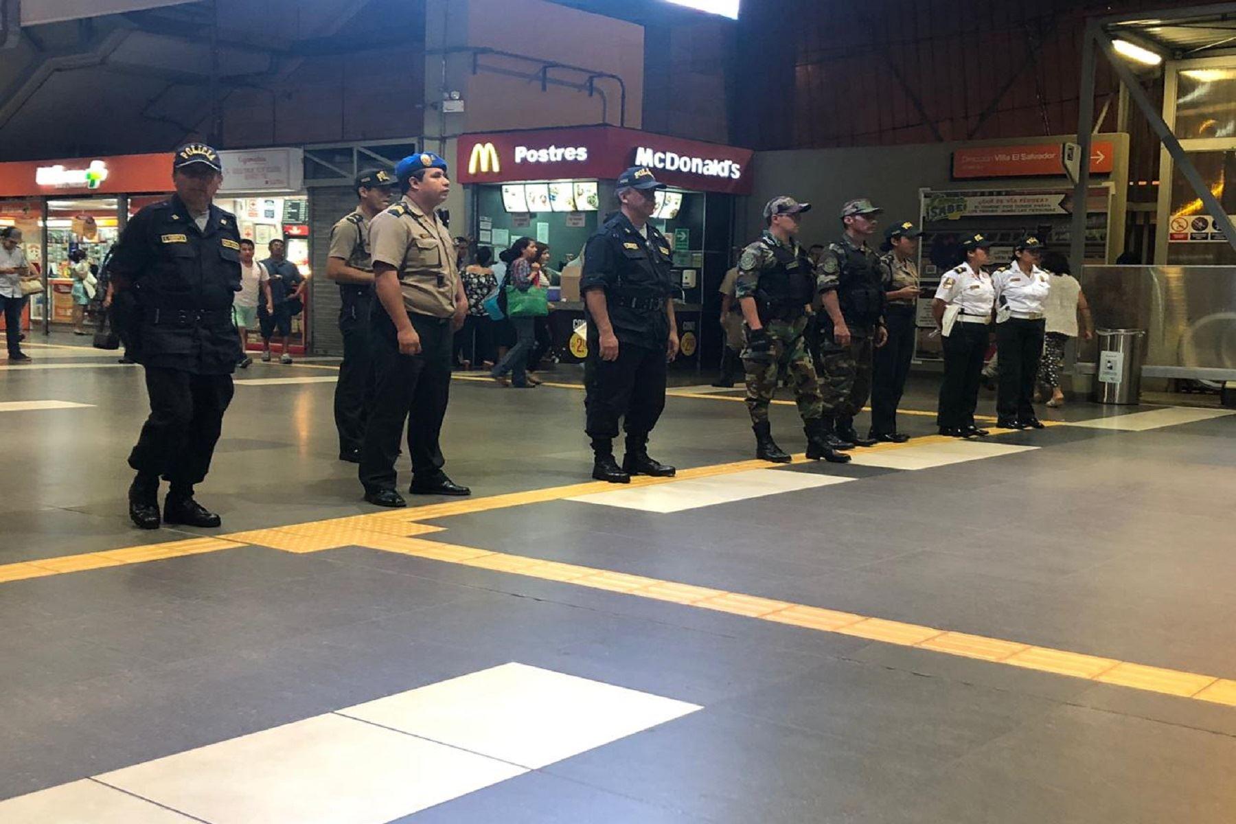 Policía realiza operativo en estaciones de Línea 1 del Metro de Lima Foto: Difusión