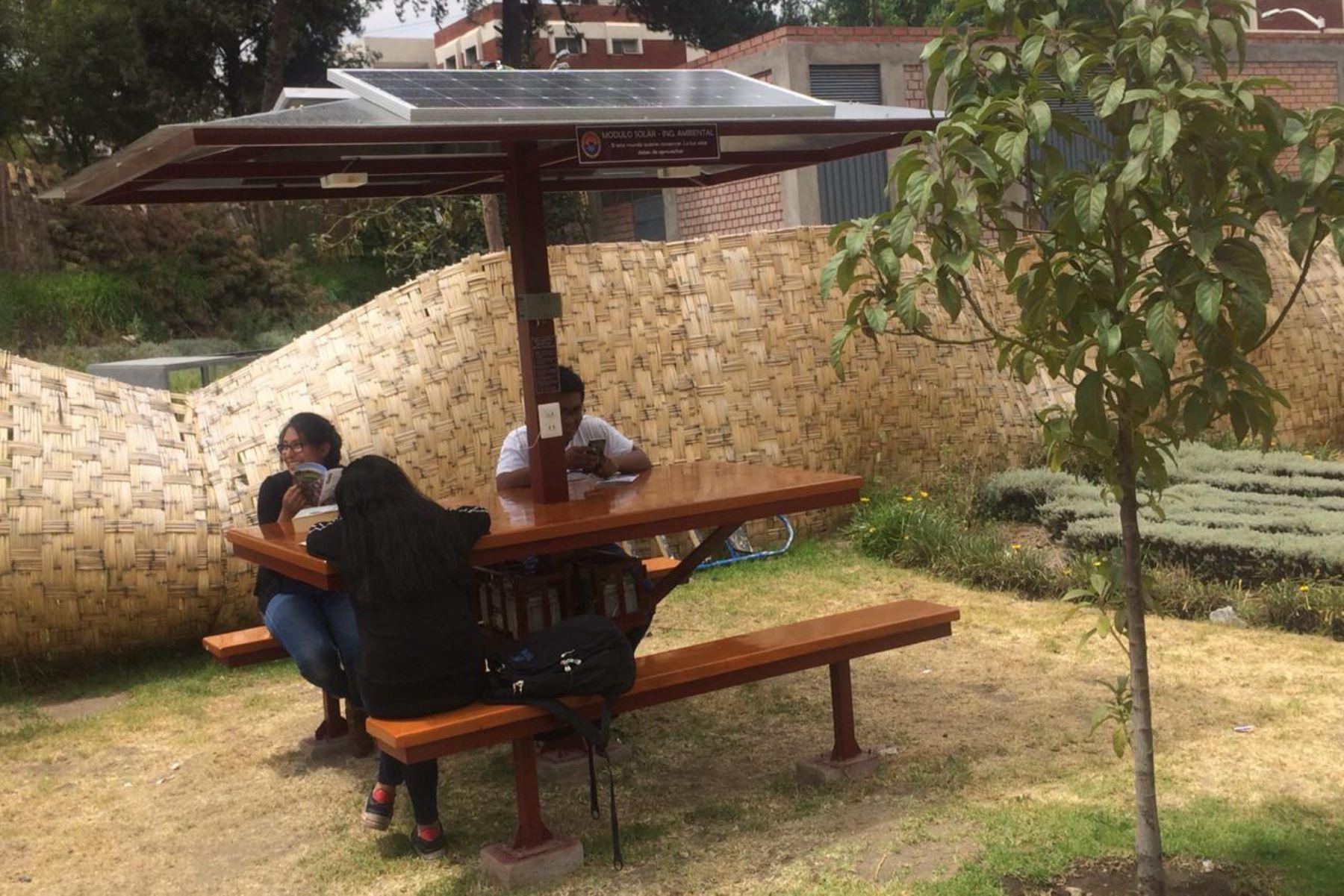 Universidad De Arequipa Apuesta Por La Energía Limpia E