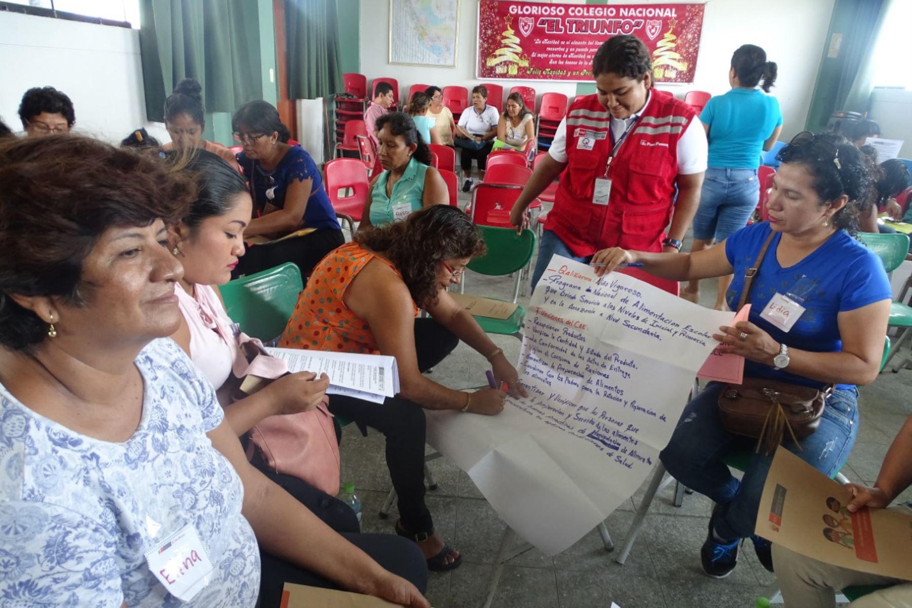 Qali Warma capacita en castellano y lenguas originarias a Comités de Alimentación Escolar