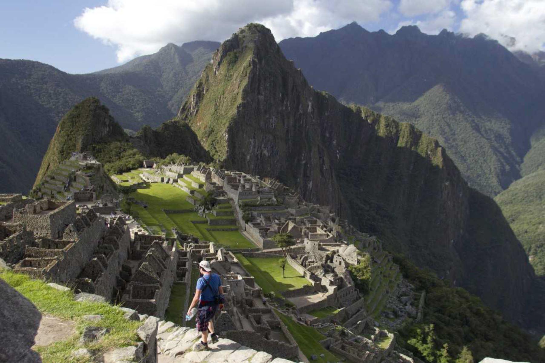 Tras más de 20 años de batallas legales, hoy se puede decir que Machu Picchu, el principal, atractivo turístico arqueologico del Perú que se ubica en la región Cusco, y cautiva al mundo, le pertenece finalmente al Estado peruano, subrayó el ministro de Cultura, Luis Jaime Castillo.ANDINA/Difusión
