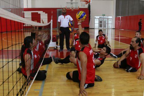Las selecciones nacionales de vóley sentado masculino y femenino se preparan intensamente para competir en los Sextos Juegos Parapanamericanos Lima 2019. Foto: ANDINA/Difusión