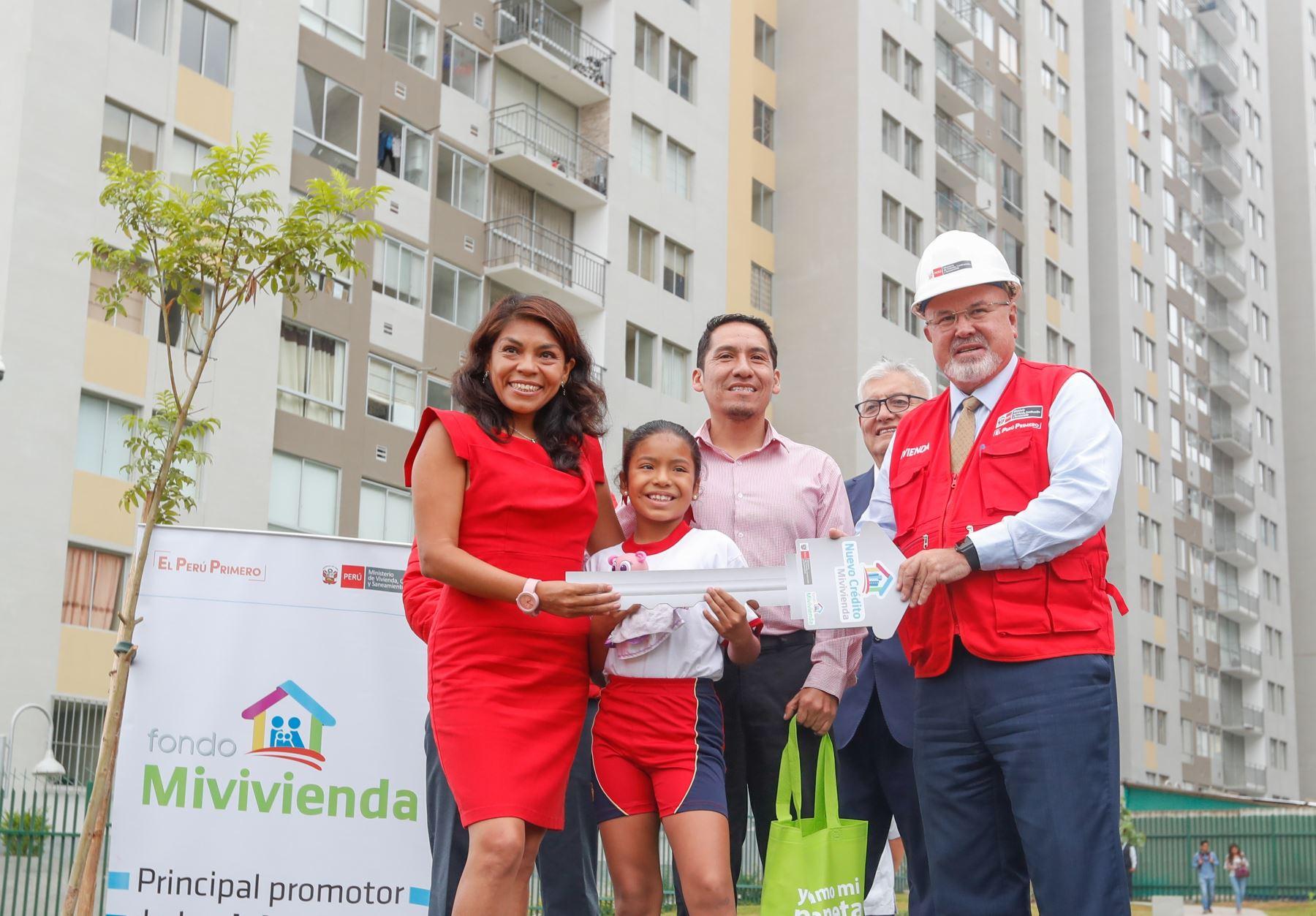 Ministro de Vivienda, Construcción y Saneamiento, Carlos Bruce. ANDINA/Difusión