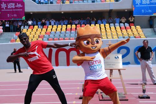 03/04/2019   Usain Bolt dejó sus huellas en la nueva pista atlética de la Videna. Foto: ANDINA/Norman Córdova.