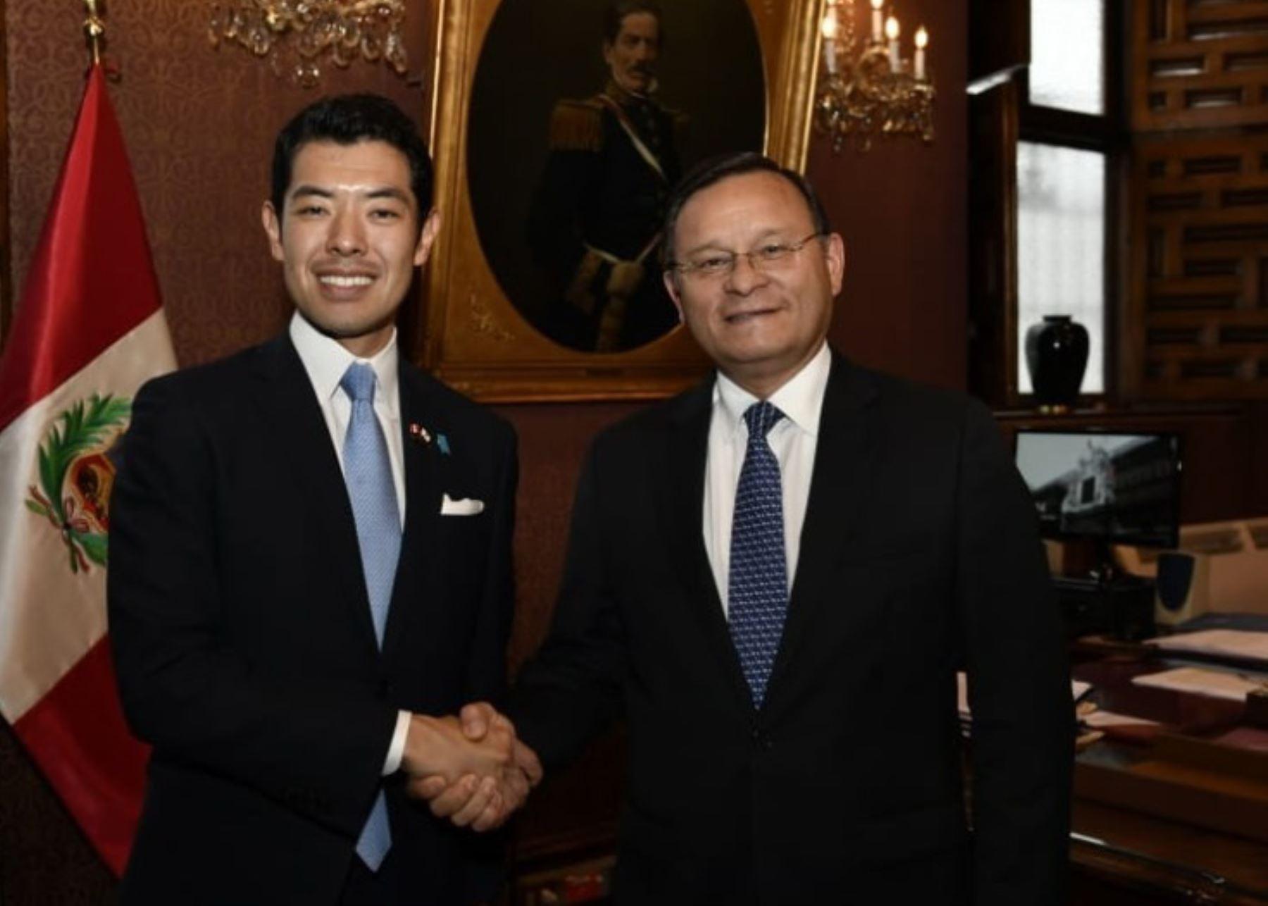 Canciller se reunió con viceministro parlamentario de Asuntos Exteriores del Japón