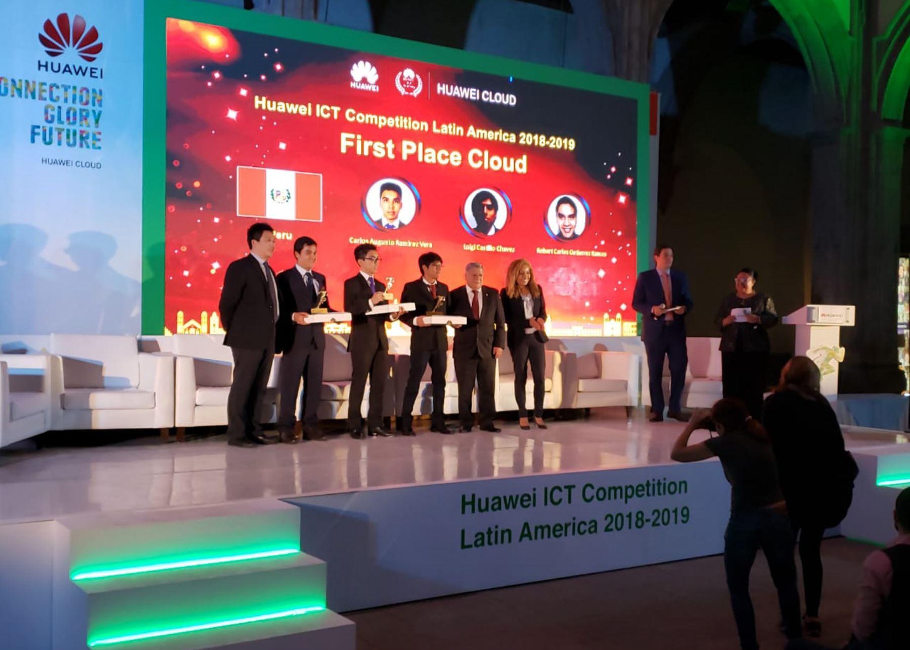 Estudiantes de San Marcos obtienen primer lugar en torneo internacional de inteligencia artificial.