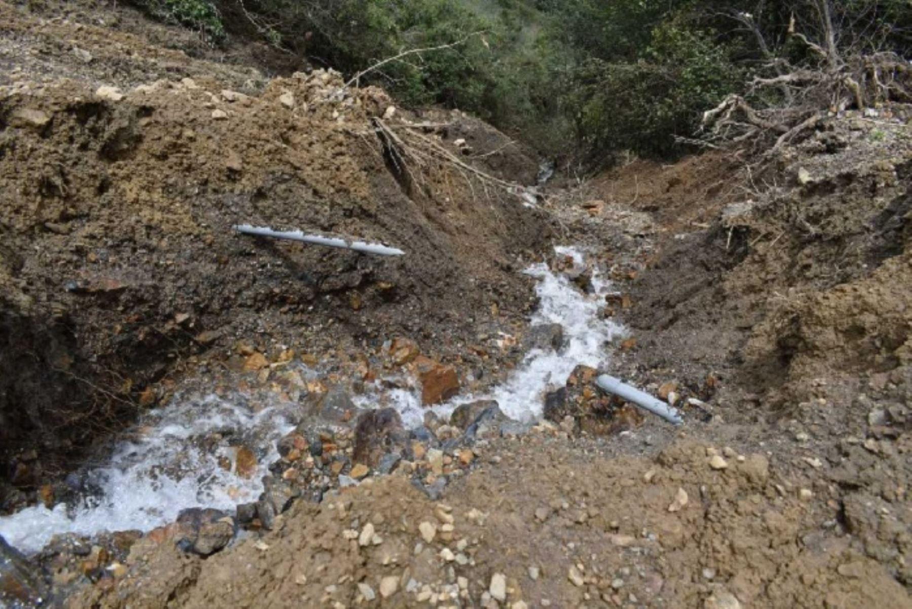Debido a las lluvias intensas colapsó el sistema de captación de agua potable que abastece a las localidades de Huaychó y Yurajyacu, en la provincia de Pomabamba, región Áncash, y alrededor de 400 usuarios no cuentan con el servicio.