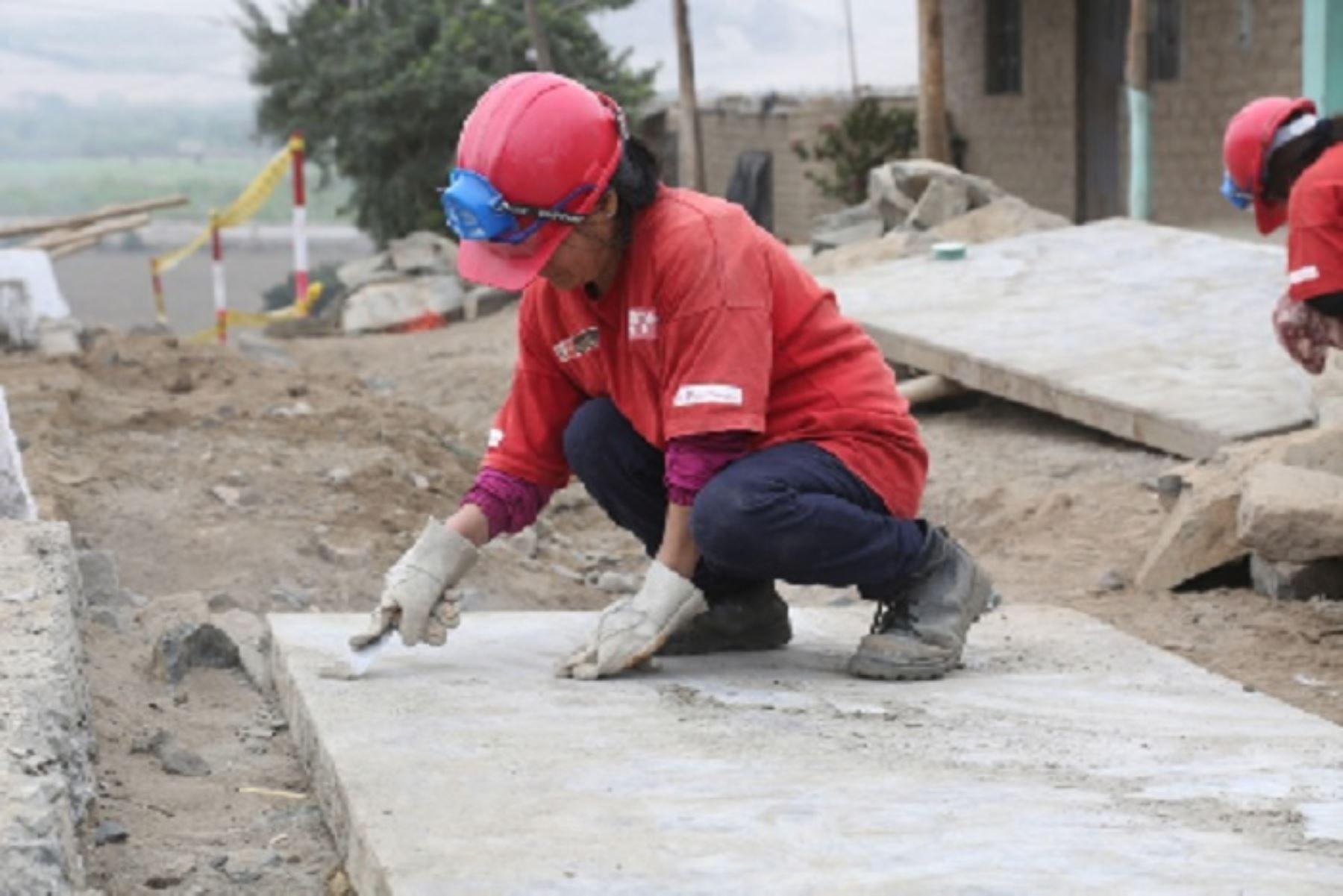 El programa Trabaja Perú del Ministerio de Trabajo y Promoción del Empleo (MTPE) financiará en total 119 actividades de intervención inmediata en 75 distritos del país declarados en emergencia, por un monto de casi S/ 7.5 millones y generará más de 5900 empleos temporales.
