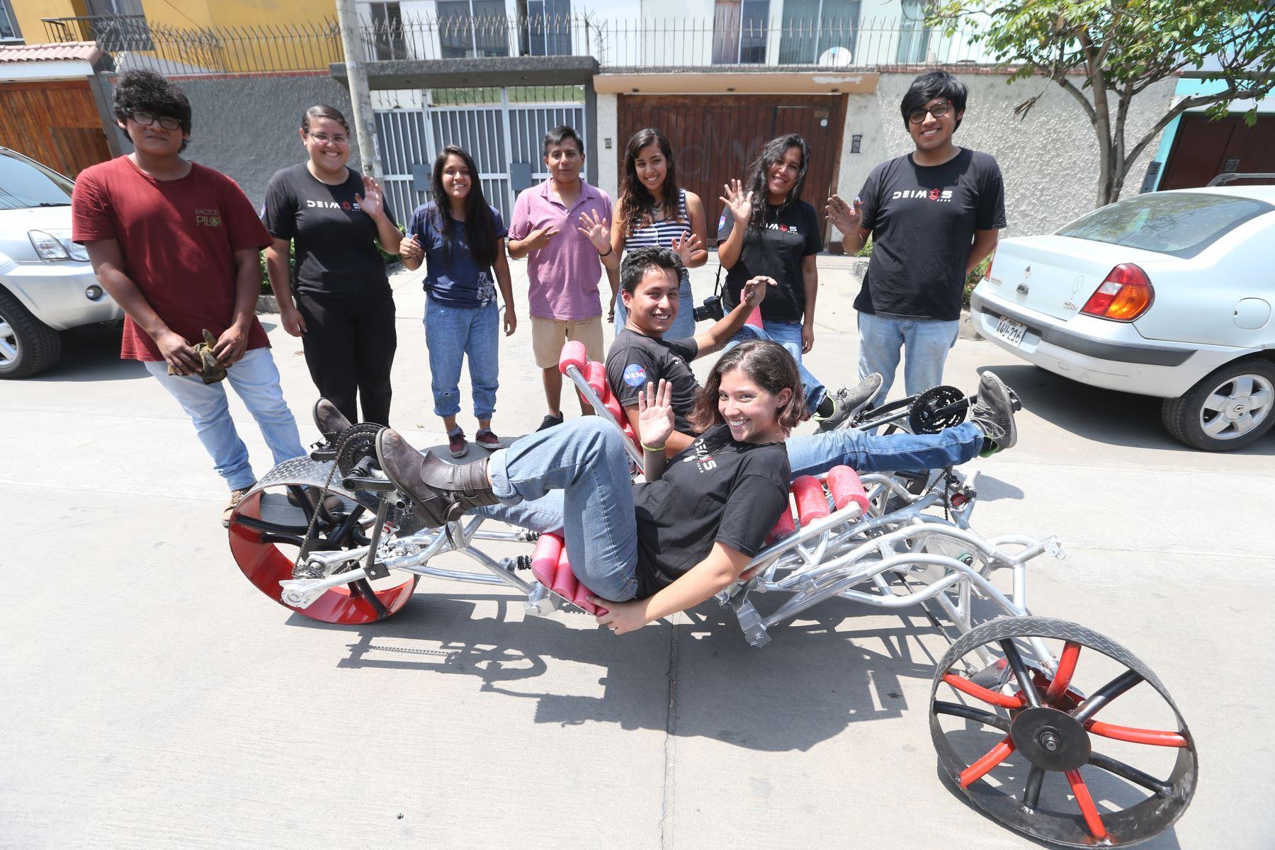Los estudiantes pondrán a prueba su creación esta semana en Alabama, EEUU. Foto ANDINA/Eddy Ramos