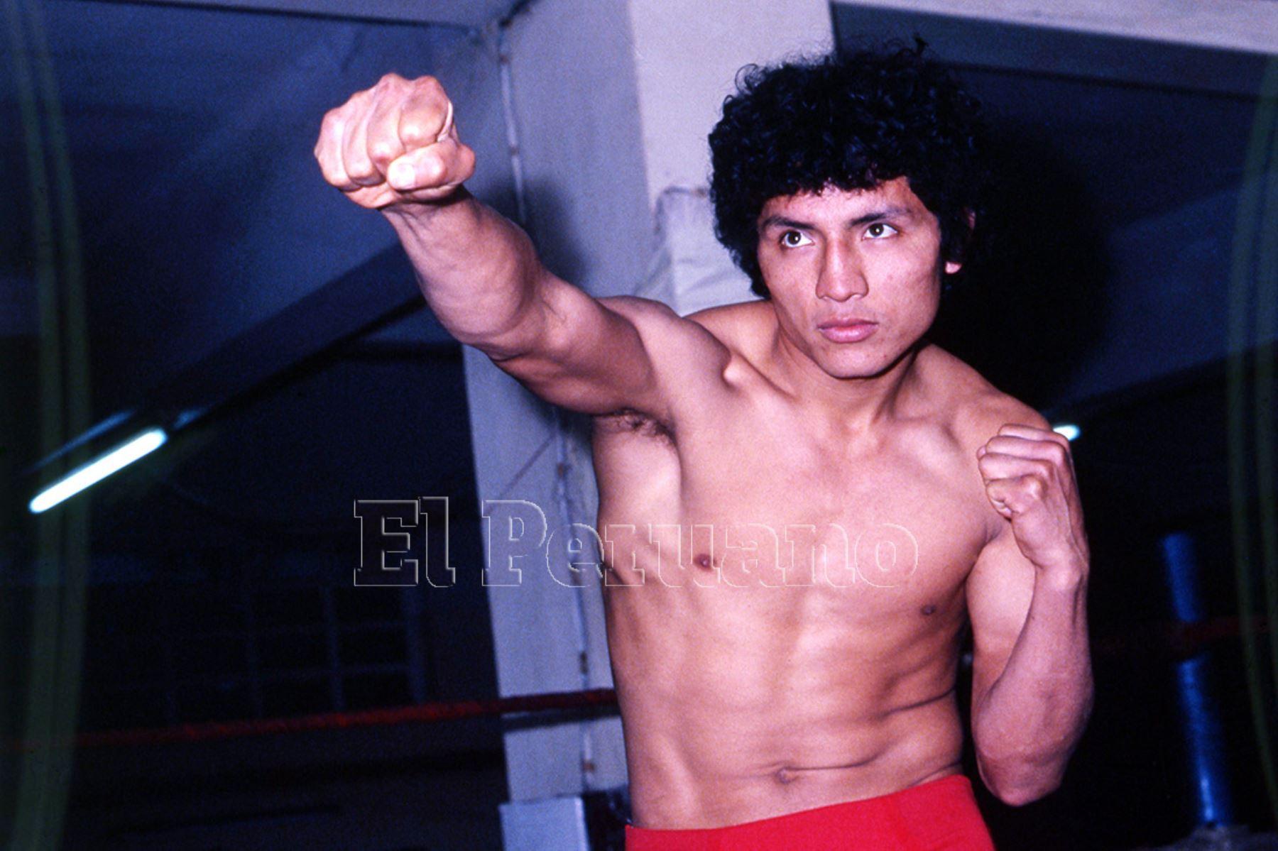 Lima - 27 setiembre 1979 / Fernando Rocco en una pesada antes de una pelea.ANDINA