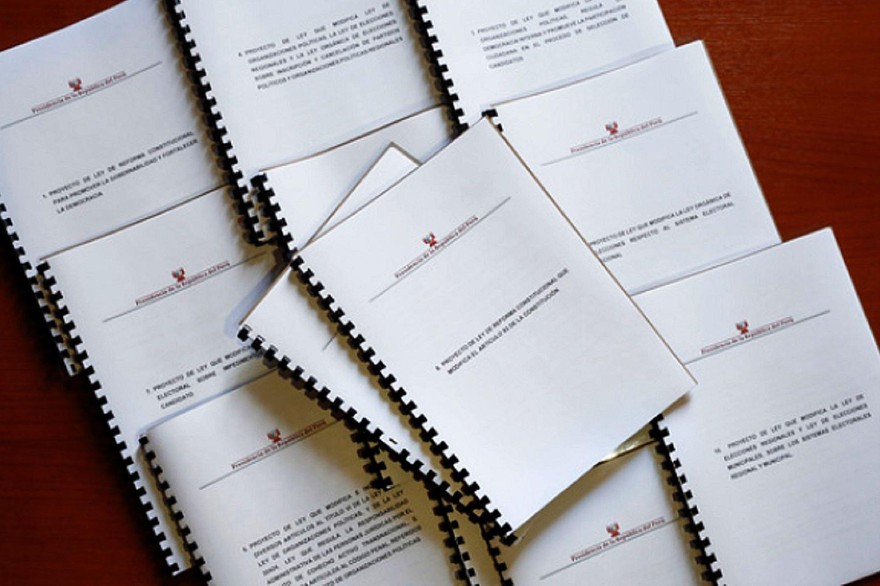 Poder Ejecutivo presentó al Congreso 12 proyectos de ley de reforma política