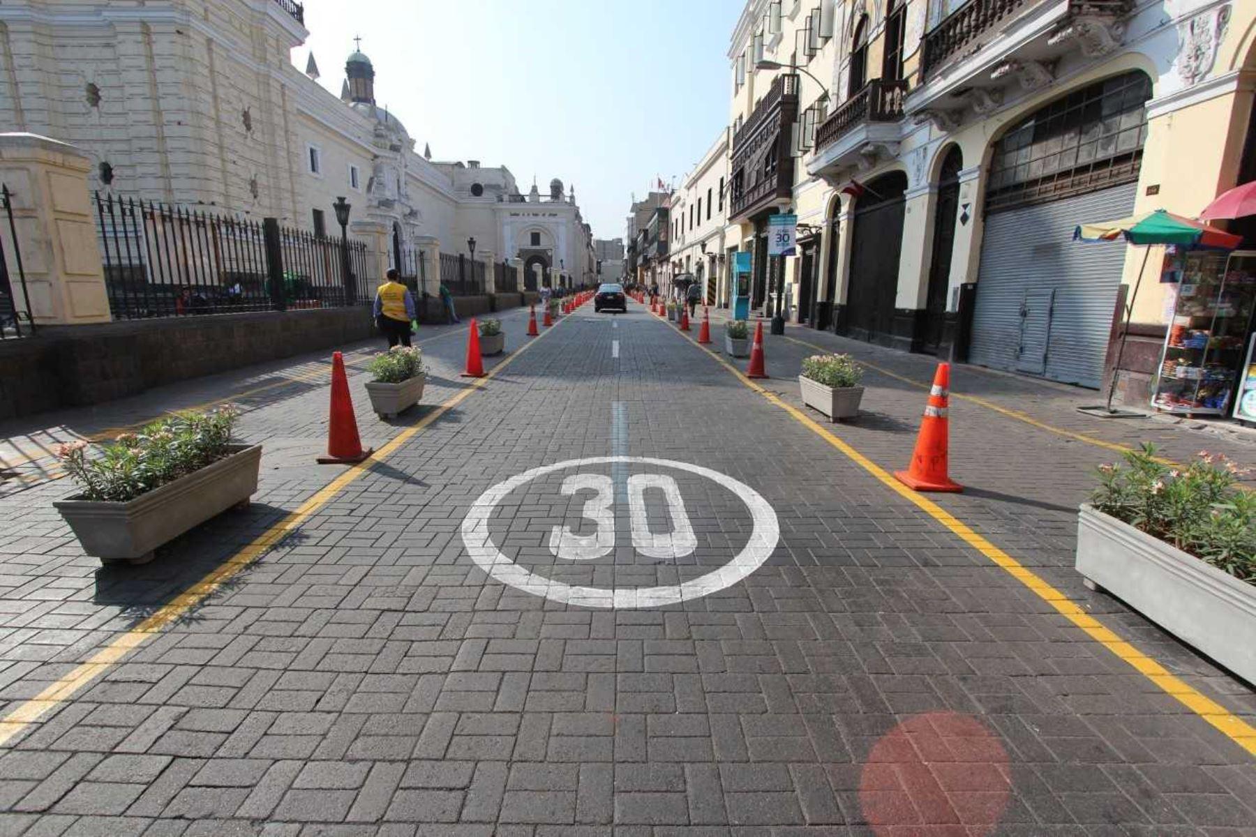 Vehículos deberán circular a 30 km/h en el Centro Histórico de Lima. Foto: ANDINA/Difusión.