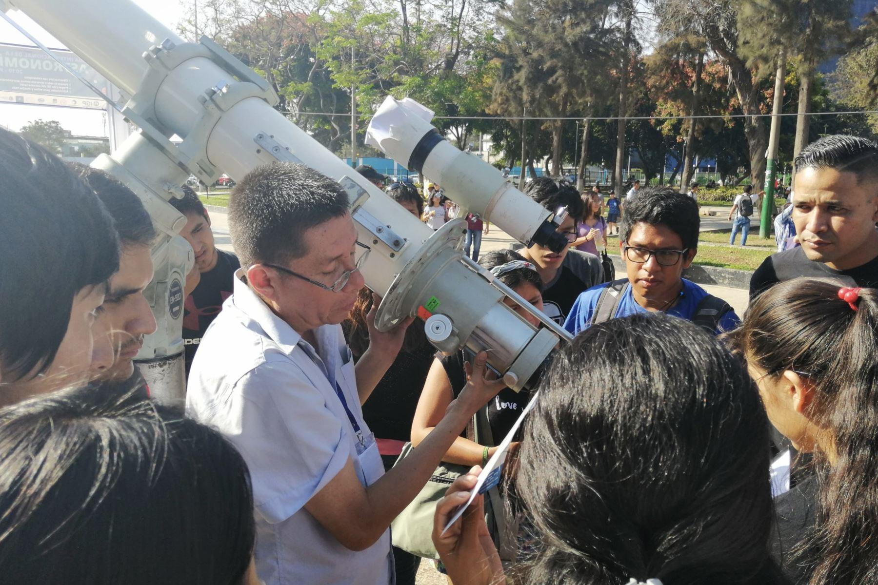 En el marco del Día  Internacional de la Astronomía, el Instituto  Geofísico del Perú organiza diversas actividades académicas que difunden el conocimiento astronómico en el país.Foto: Difusión IGP