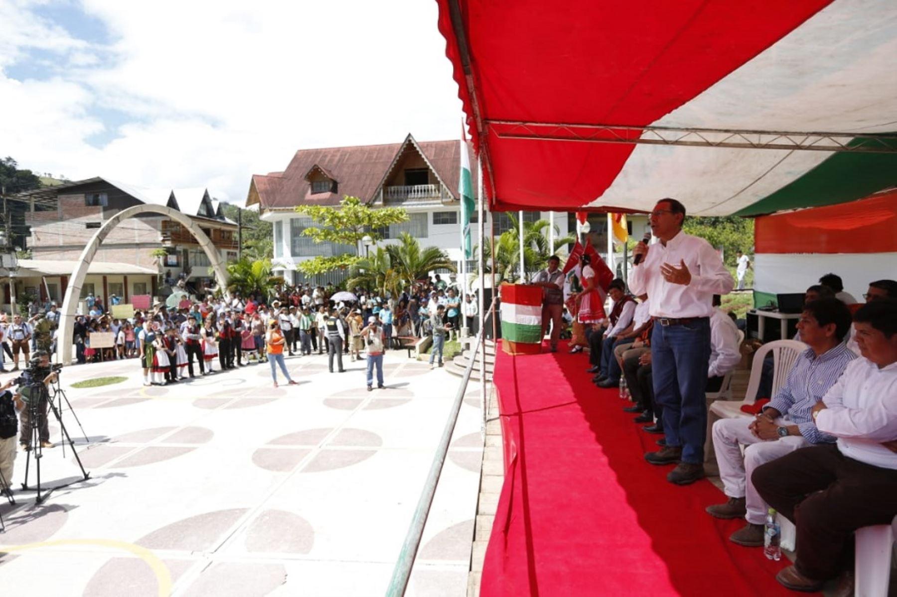 Jefe del Estado cumple actividades oficiales en Oxapampa, región Pasco.