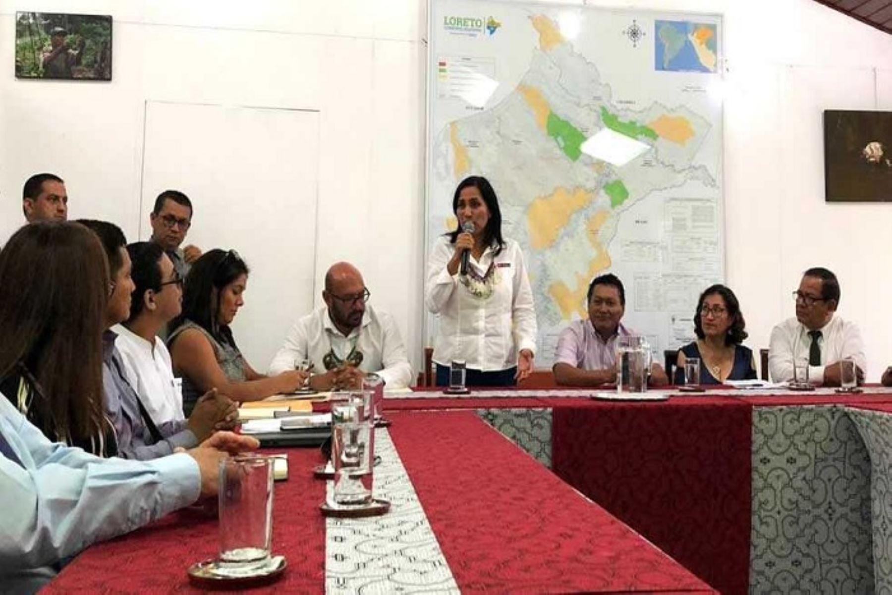 El Ministerio de Educación, el Gobierno Regional de Loreto y autoridades locales, acordaron emprender una cruzada de protección de la infancia para tener escuelas seguras y libres de violencia, donde los niños aprendan en una situación de bienestar.