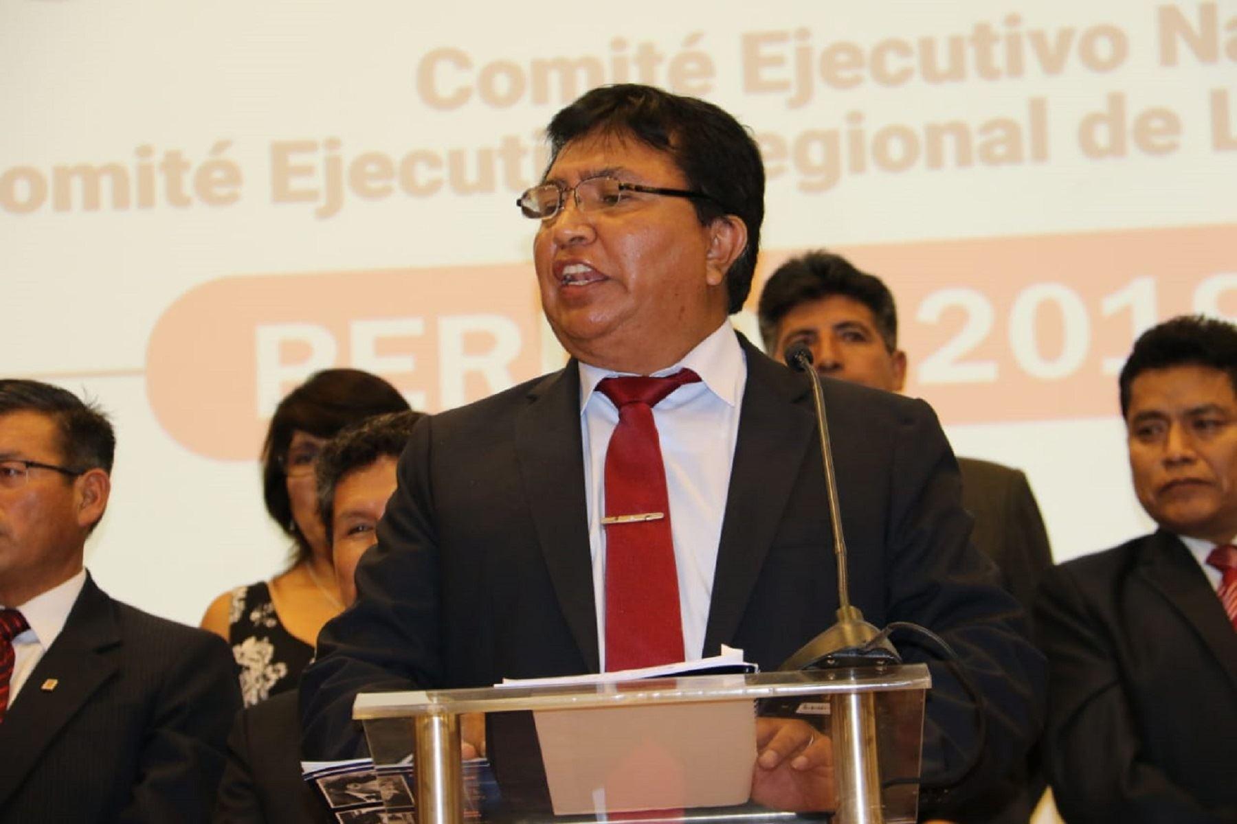 Lucio Castro, secretario general del Sutep. Foto: Difusión