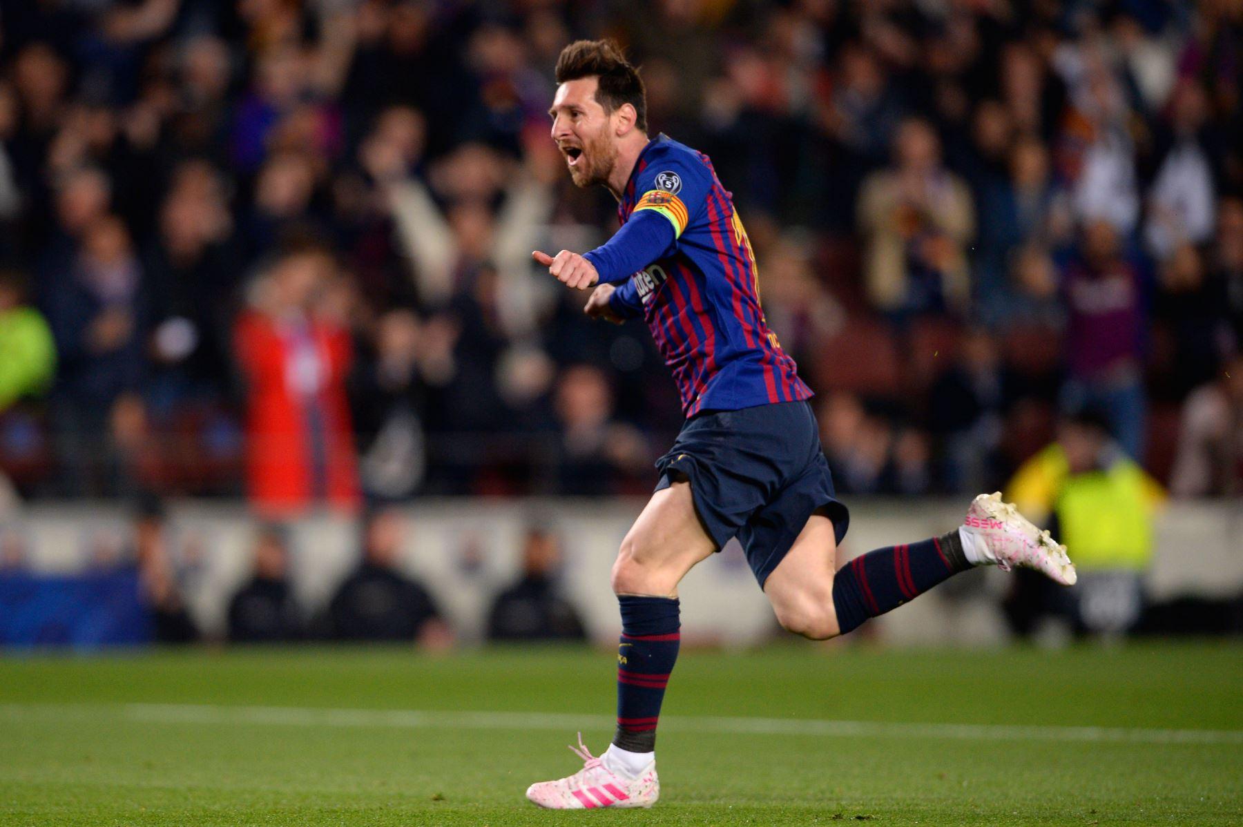 El delantero argentino de Barcelona, Lionel Messi, celebra después de marcar un gol durante el partido de fútbol de la segunda jornada de la UEFA Champions League entre Barcelona y Manchester United.Foto:AFP