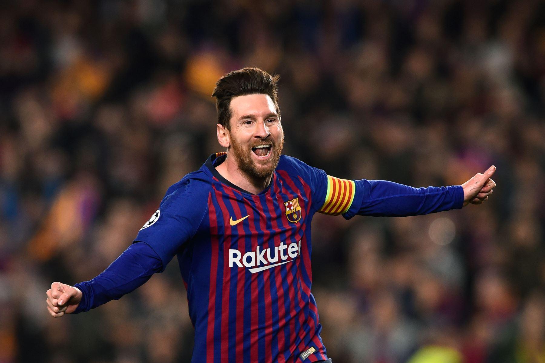 El delantero argentino de Barcelona, Lionel Messi, celebra después de anotar durante el partido de fútbol de la segunda etapa de la UEFA Champions League entre Barcelona y Manchester United.Foto:AFP