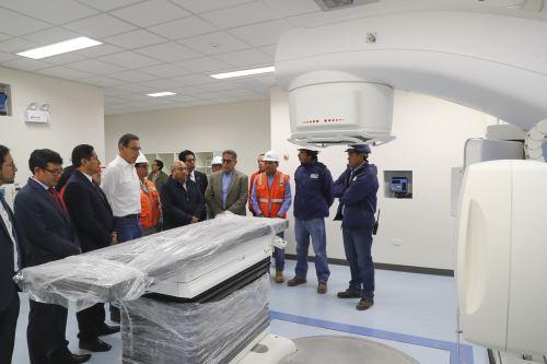 Presidente Vizcarra inspecciona avances de la construcción del Instituto Regional de Enfermedades Neoplásicas, en Junín