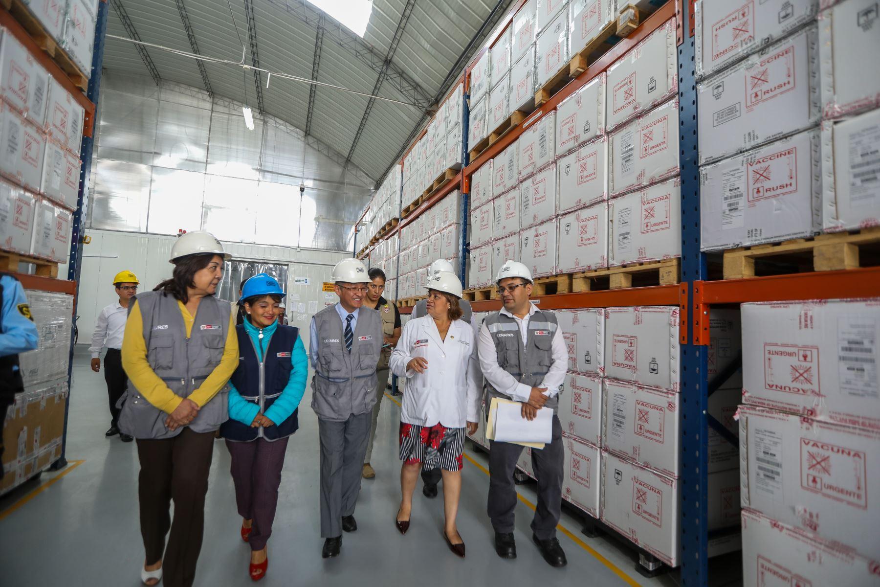 Ministra  de Salud, Zulema Tomás participa en la entrega de  más de dos millones de vacunas contra la Influenza como protección ante friaje y heladas. Foto: ANDINA/Minsa