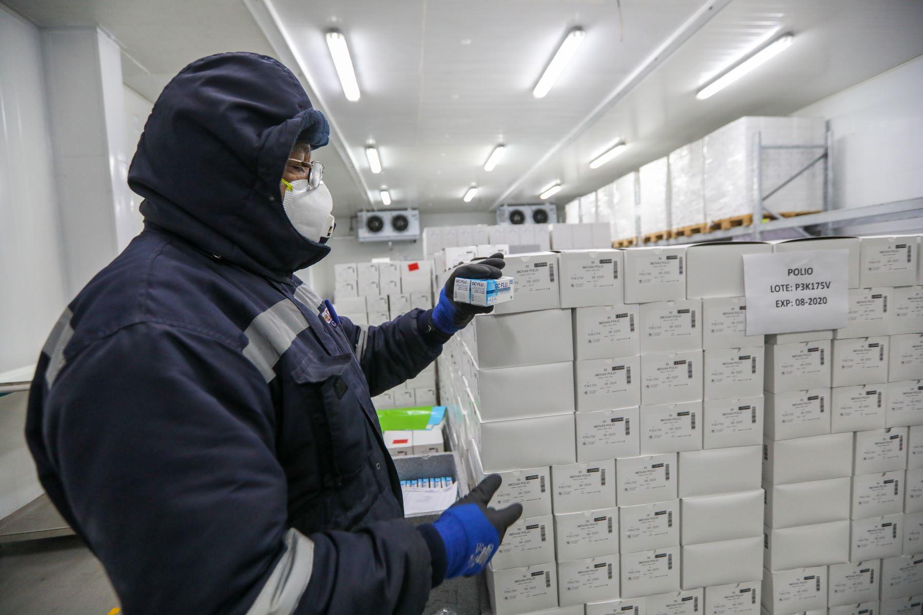 Ministerio de Salud distribuye más de dos millones de vacunas contra la Influenza como protección ante friaje y heladas. Foto: ANDINA/Minsa
