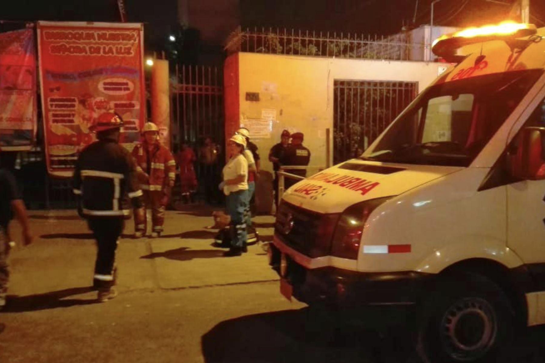 El Cuerpo General de Bomberos Voluntarios del Perú informó que el incidente ocurrió al promediar las 6:19 p.m. Cuatro de sus unidades acudieron para las labores de rescate. Foto: ANDINA/SAMU