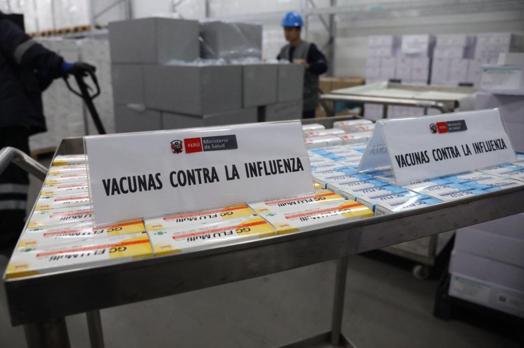 El Ministerio de Salud (Minsa) empezó la distribución de dos millones de vacunas contra la Influenza a los más de 8,000 establecimientos de salud del país, como una medida de protección para la temporada de heladas y friaje.