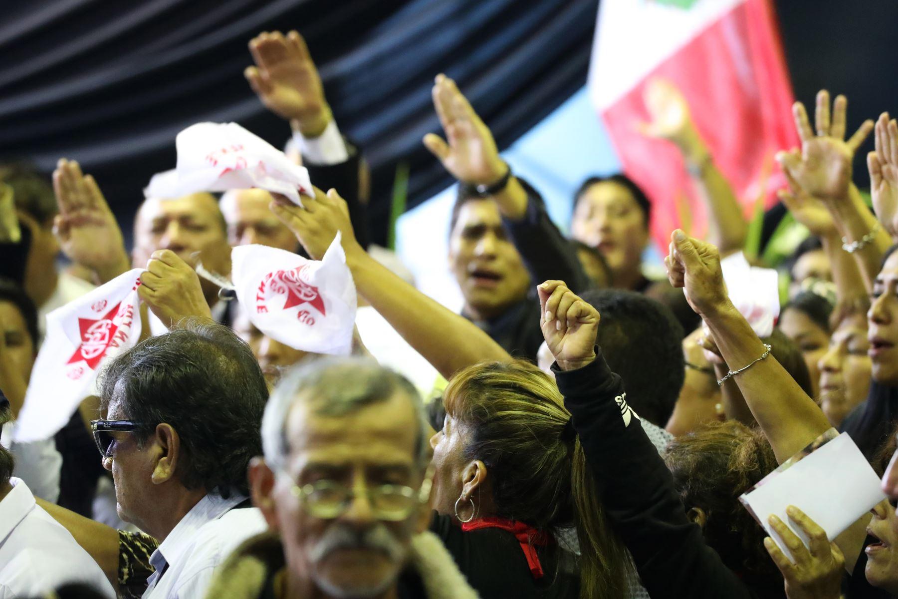 Militantes apristas no permitieron ingreso a Ollanta Humala al velorio de  Alan Garcia en la Casa del Pueblo. Foto: ANDINA/Melina Mejía
