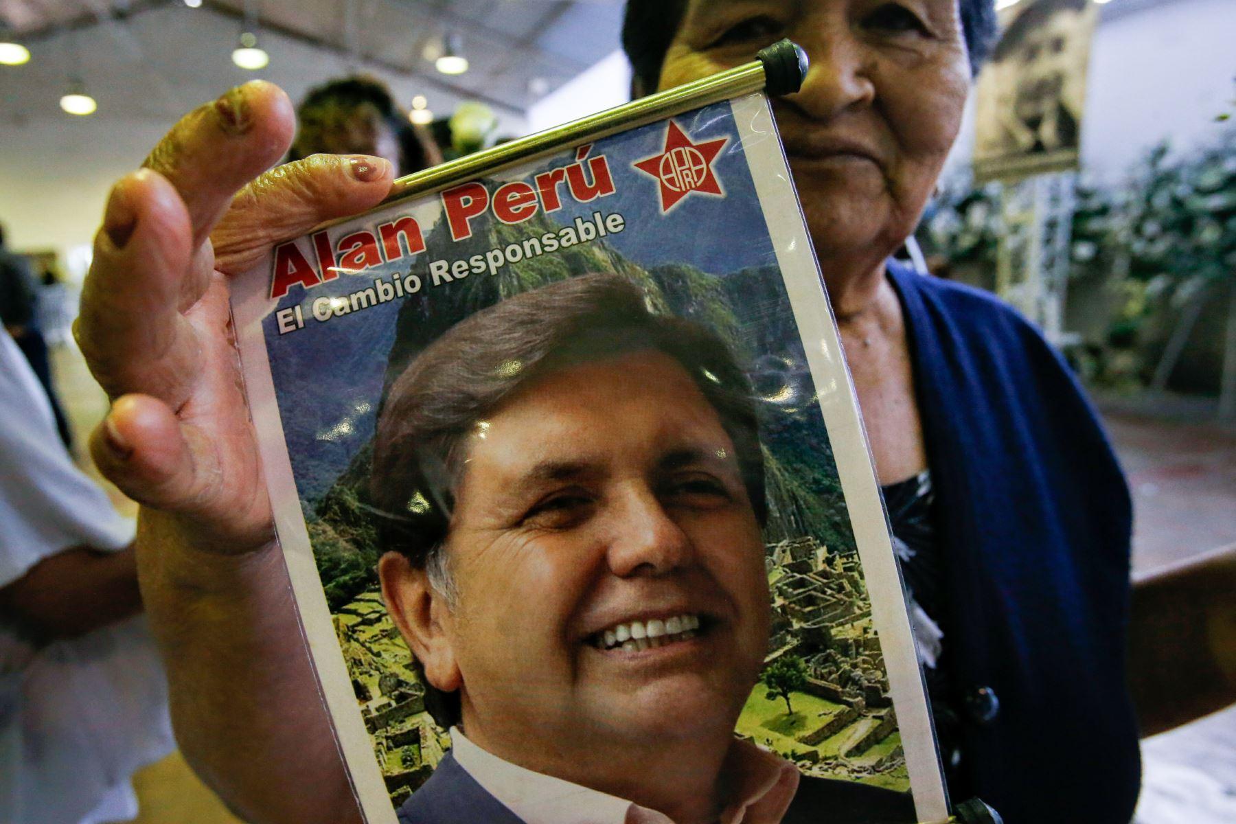 """Continúan las exequias fúnebres del expresidente Alan García en la """"Casa del Pueblo"""". Foto:ANDINA Nathalie Sayago"""