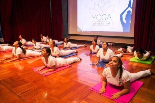 EsSalud: acreditan a más de 30 profesionales para impulsar práctica de yoga. Foto: ANDINA/Difusión.