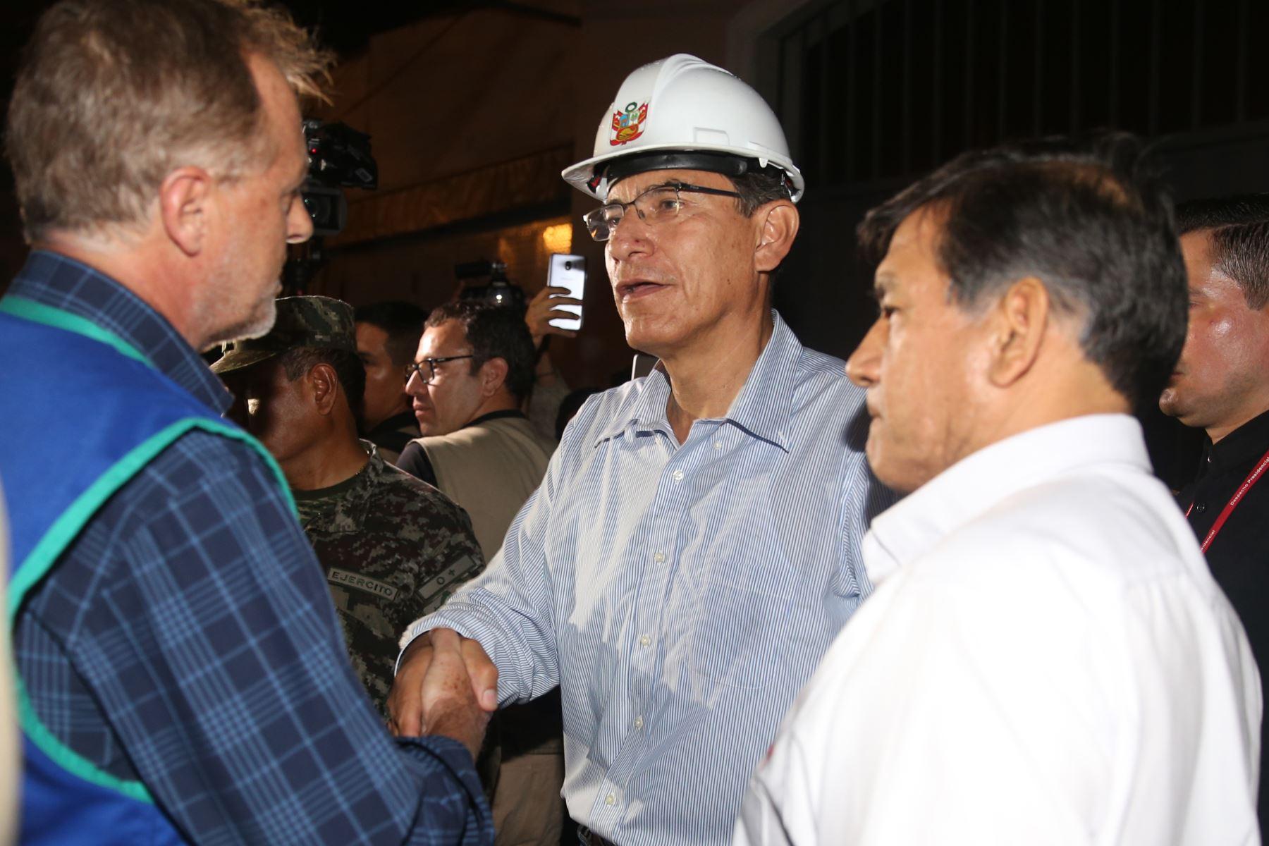 Mesa Redonda: Presidente Vizcarra supervisa acciones en zona de incendio. Foto: ANDINA/Jhony Laurente