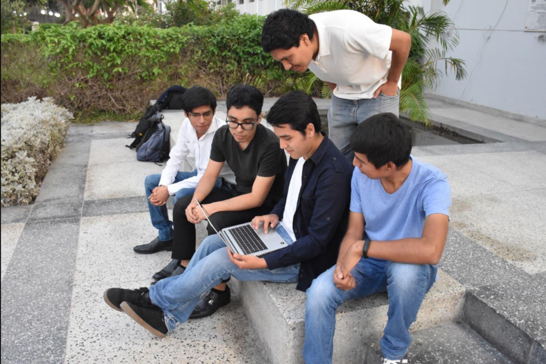 Sanmarquinos a China para final de concurso de Huawei. Foto: Andina/Difusión