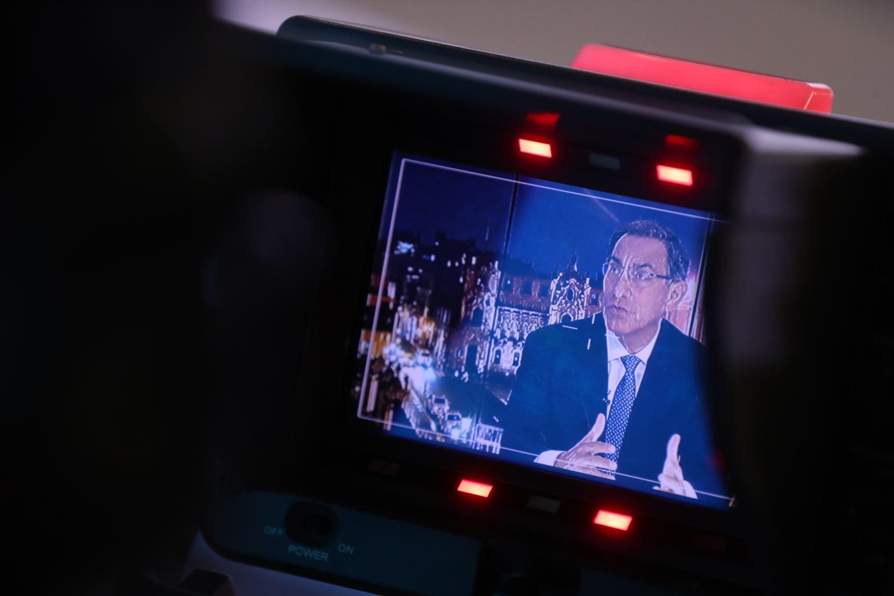 El presidente de la República, Martín Vizcarra, solicitó hoy al Ministerio Público y al Poder Judicial realizar una evaluación sobre la prisión preventiva, a fin de garantizar su correcto uso en las investigaciones.Foto: ANDINA/Prensa Presidencia