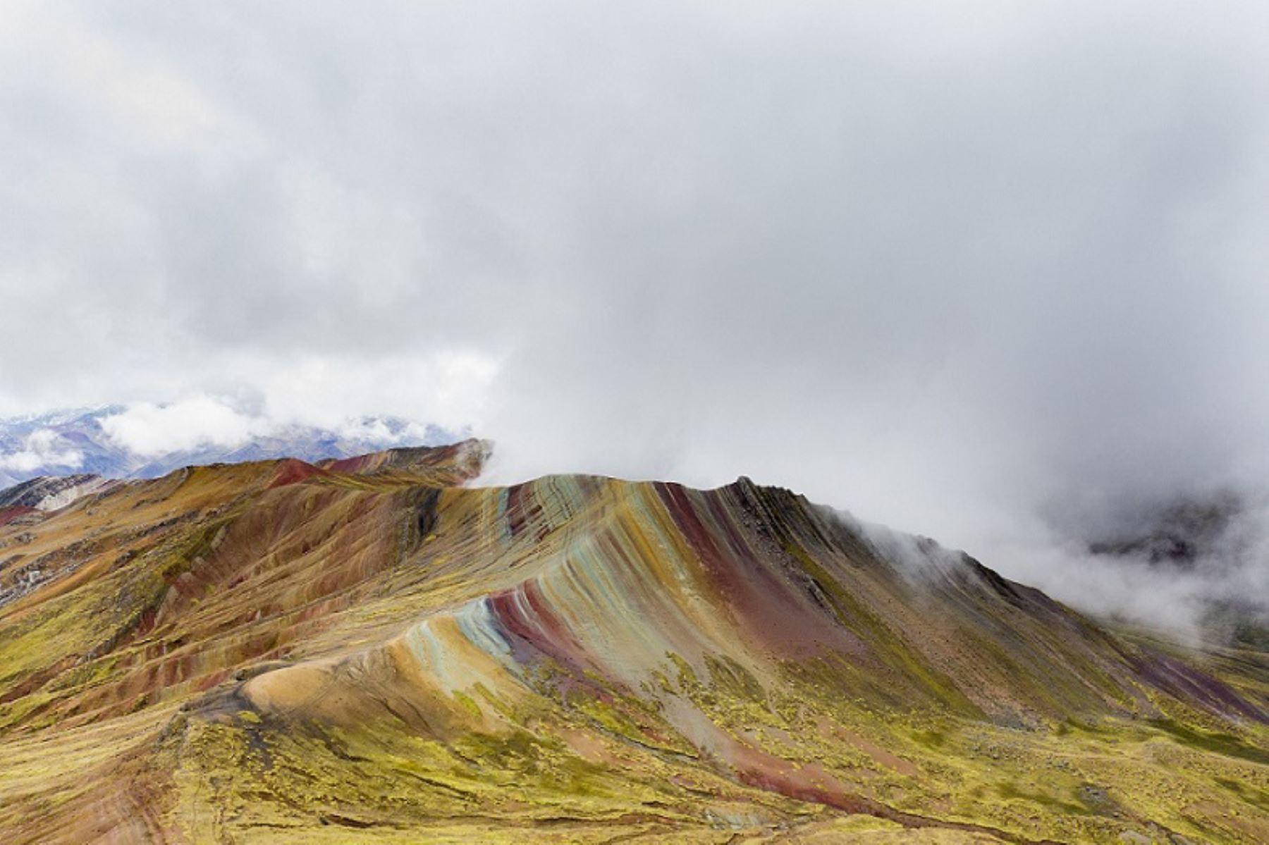 La montaña Palccoyo, llamada también montaña Arcoíris, es el deslumbrante nuevo destino turístico que ofrece Cusco. ANDINA/Difusión