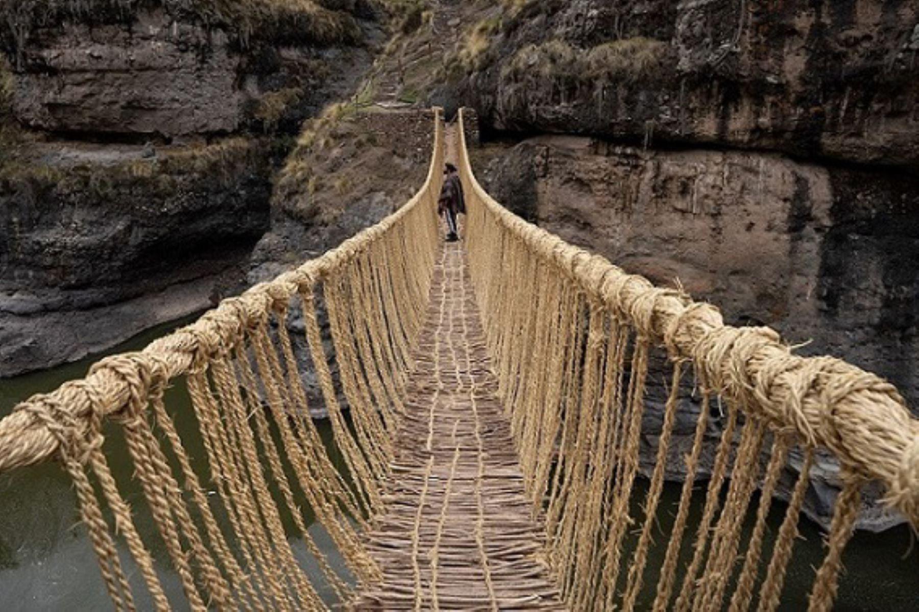 proclamó en 2013 a los conocimientos, técnicas y rituales vinculados a la renovación anual del puente Q