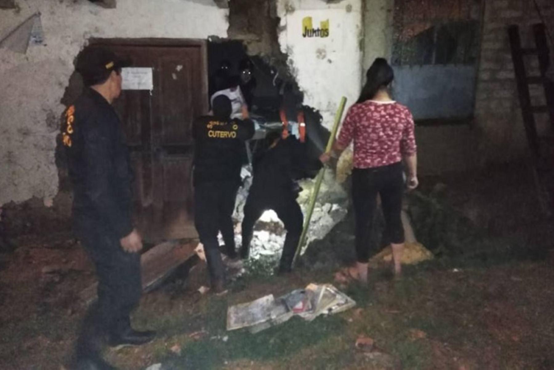 Debido a las intensas lluvias dos viviendas de adobe y calamina colapsaron y otra resultó con daños en el distrito y provincia de Cutervo, región Cajamarca, informó el Instituto Nacional de Defensa Civil (Indeci).