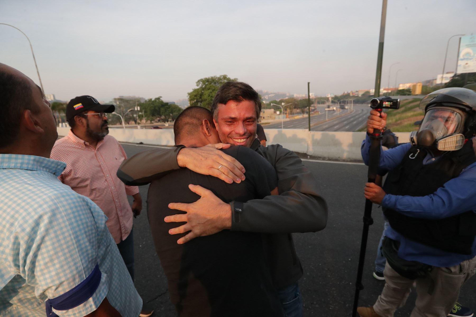 Leopoldo López fue liberado por militares venezolanos. Foto:EFE