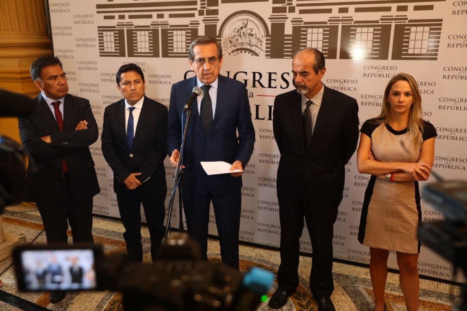 Conferencia de prensa del Partido Aprista Peruano.
