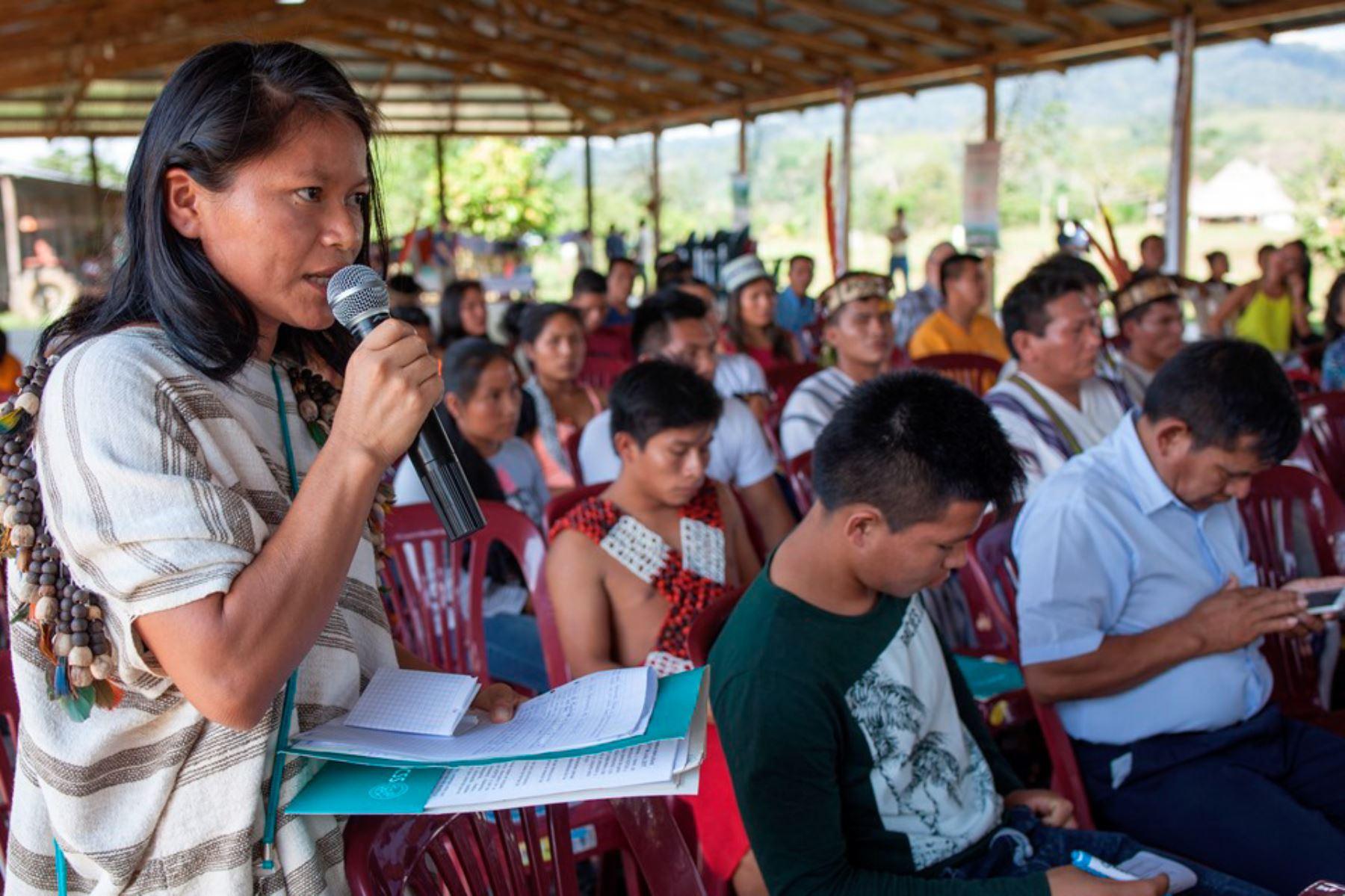 El Ministerio de Educación reconoció oficialmente el alfabeto de la lengua asheninka. Foto: CAAAP