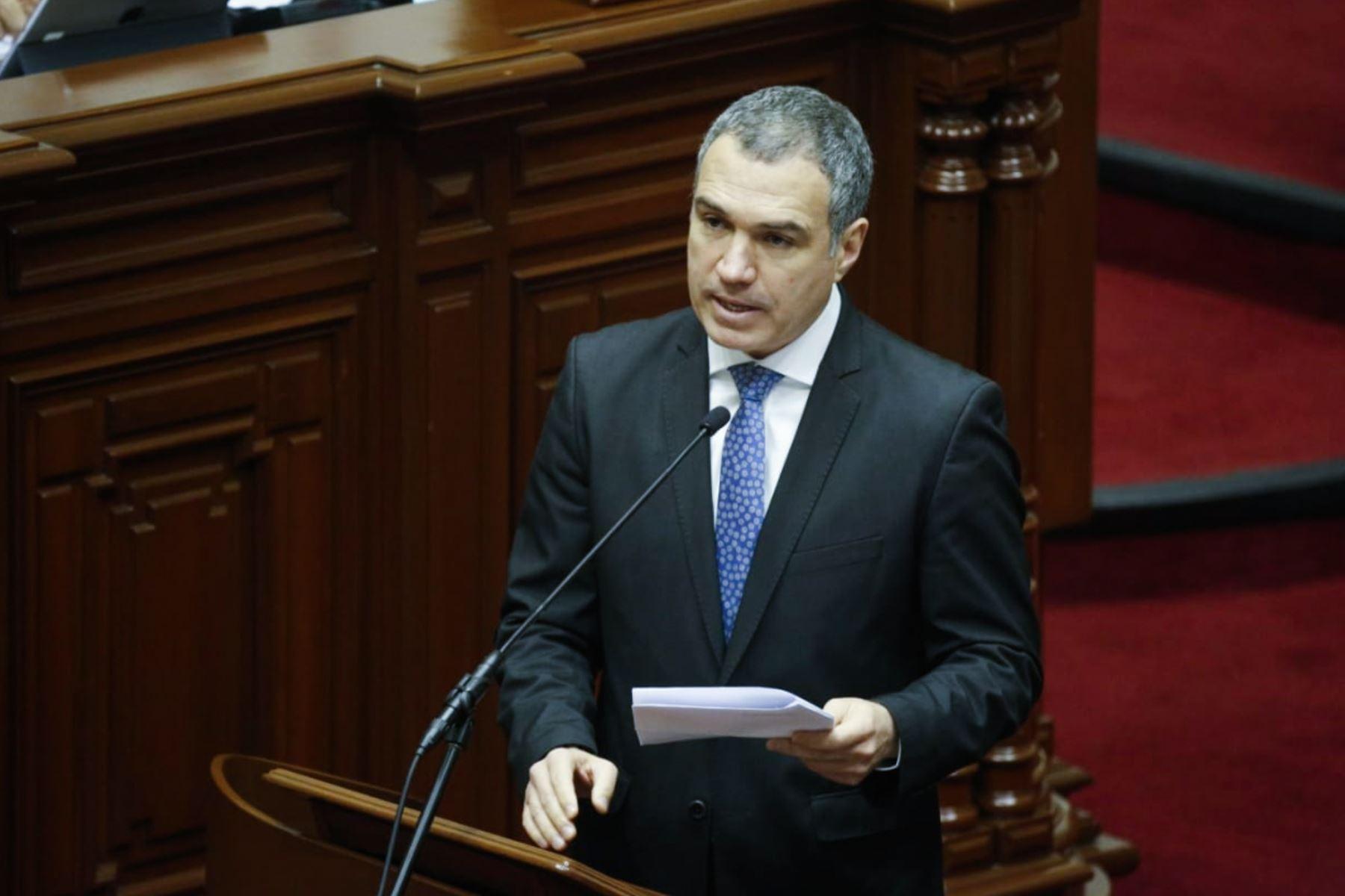El presidente del Consejo de Ministros, Salvador del Solar, expone ante el Pleno del Congreso sobre el Plan Nacional por la Infancia.