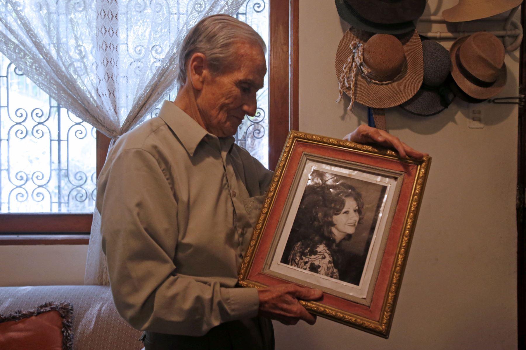 Carlos Ernesto Gassols Eizaguirre, actor, escritor y director de cine peruano. Foto: ANDINA