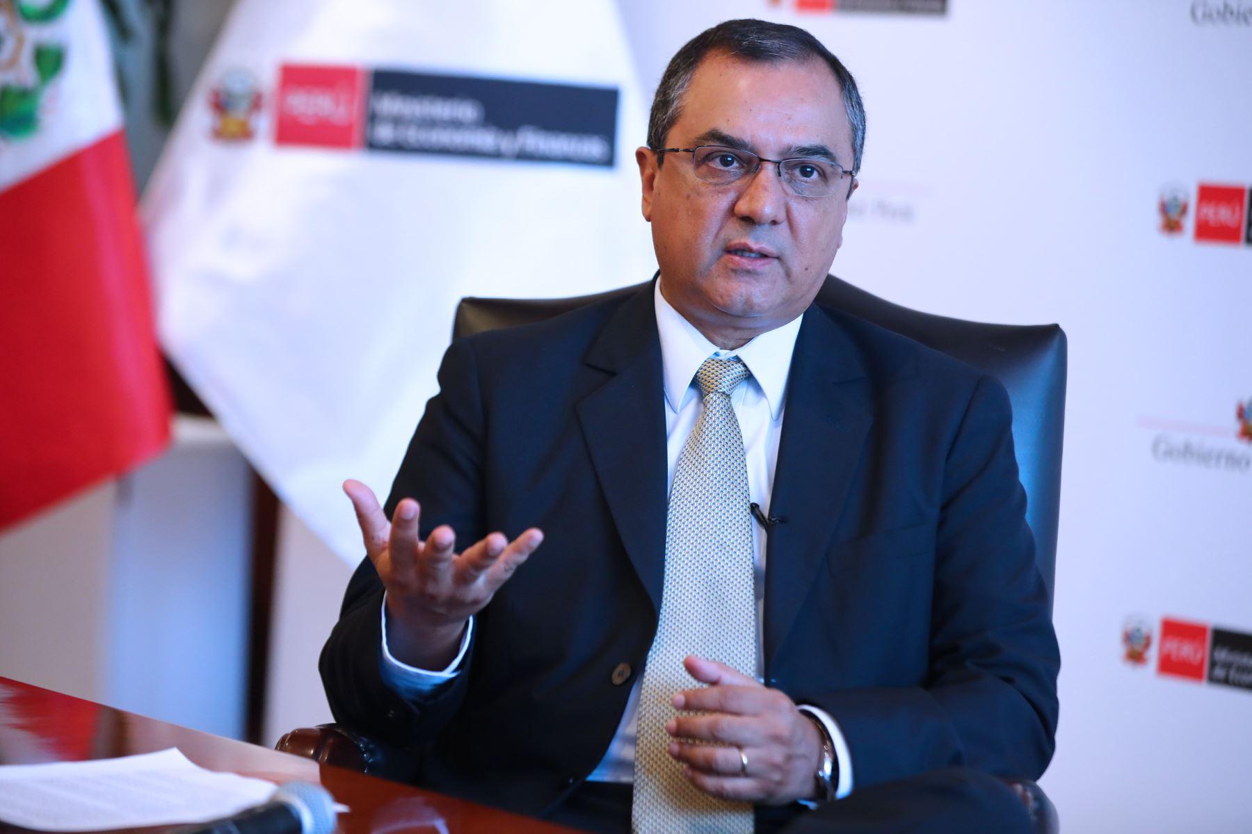 Ministro Oliva detalla norma antielusiva. ANDINA/Norman Córdova