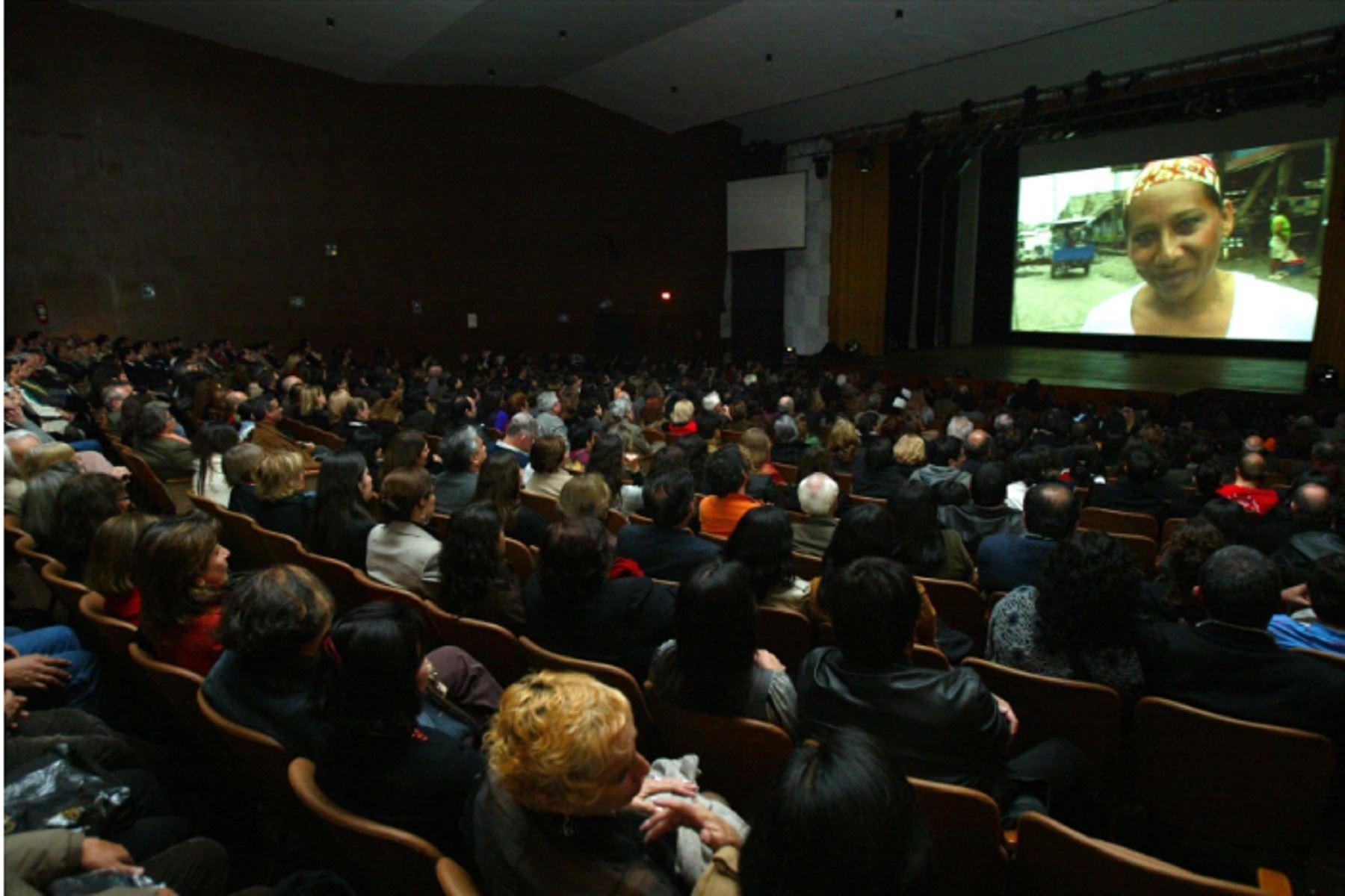 Pleno del Congreso aprobó la Ley del Cine