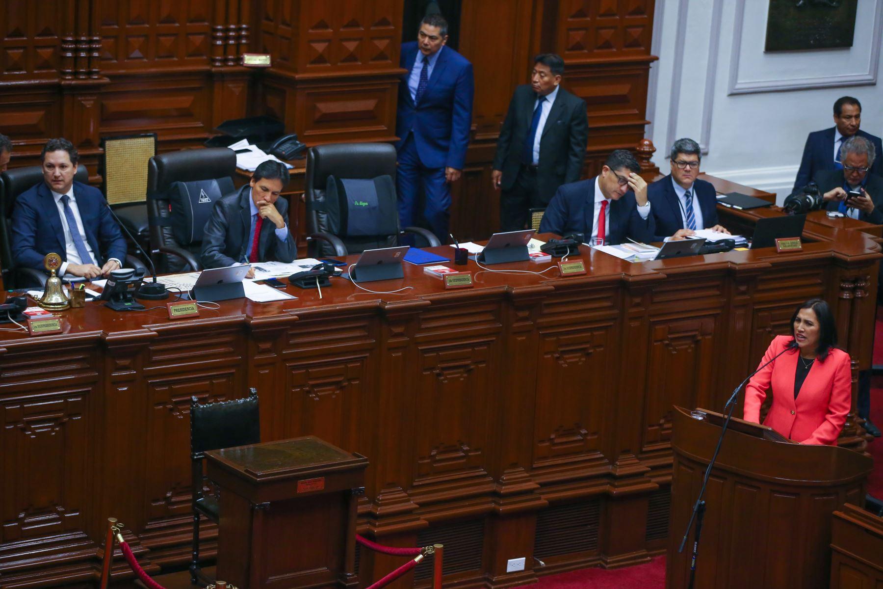 La ministra de Educación, Flor Pablo, asiste al Congreso para responder al pliego interpelatorio. Foto: ANDINA/Vidal Tarqui