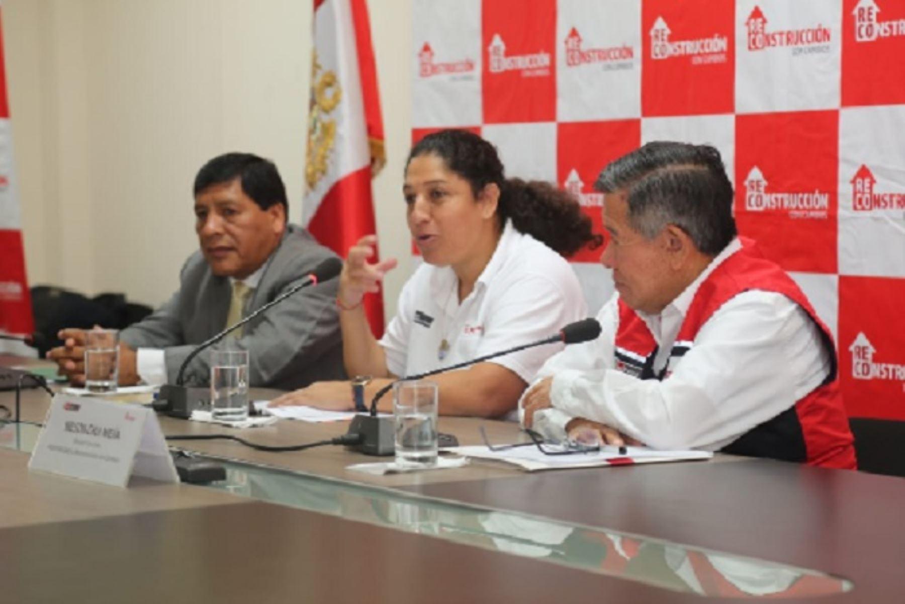 Durante una reunión con el gobernador regional y alcaldes de Ica, la ministra Fabiola Muñoz anunció la reestructuración total del Ministerio de Agricultura y Riego (Minagri) para mejorar la provisión de los servicios a los pequeños productores.