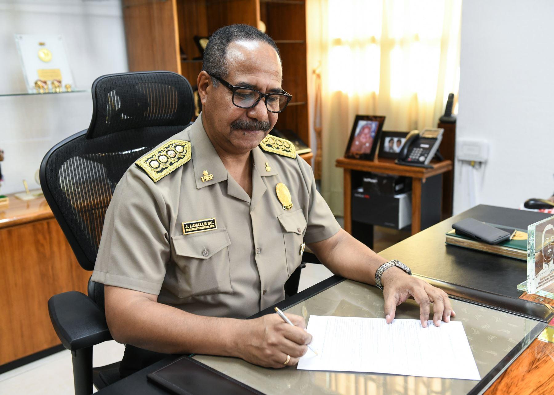 El comandante general de la PNP, José Lavalle, presentó su declaración jurada de intereses.
